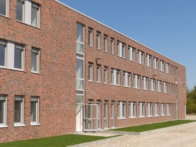 """System 76"" has helped the Trocal manufacturer Rolf Fensterbau GmbH of Hennef-Uckerath to win many orders, including 680 window units for the new job centre in Mettmann."