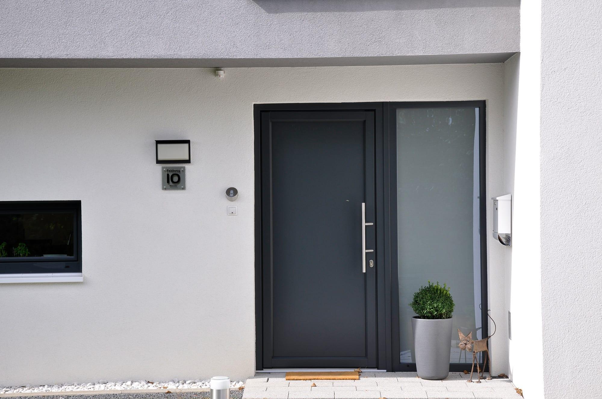 haust ren anthrazit mit seitenteil. Black Bedroom Furniture Sets. Home Design Ideas